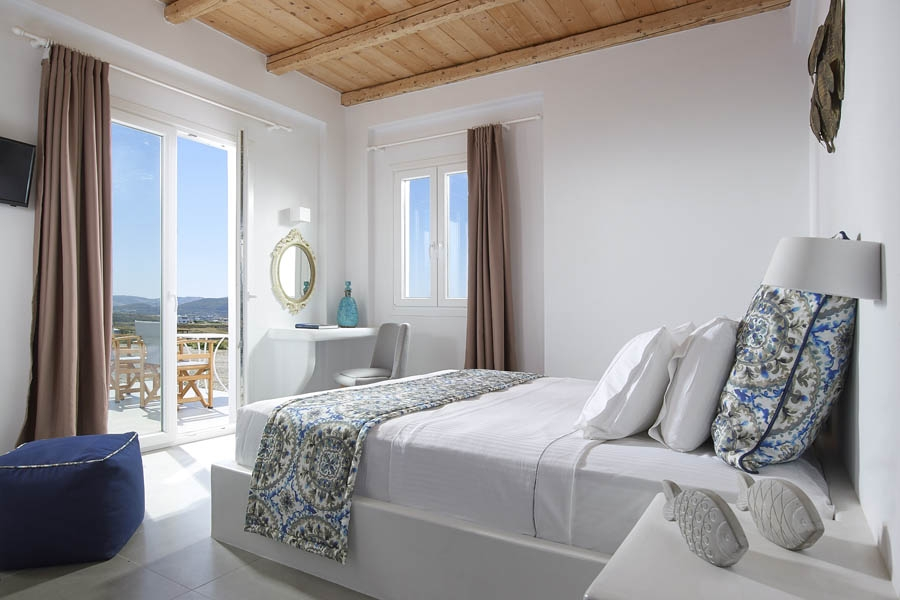 Partial Sea View Room, Lithos Luxury Rooms: Milos Island rooms pool sea view