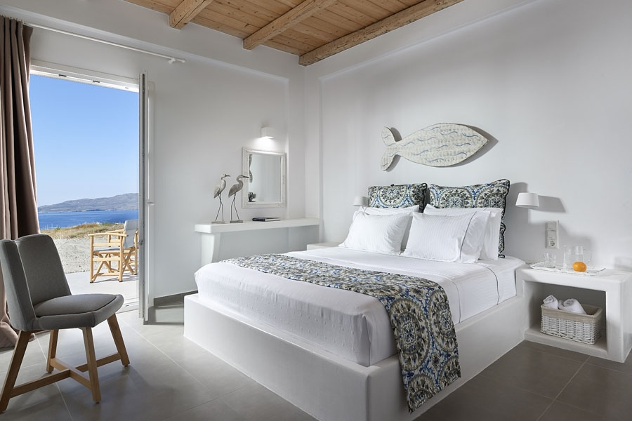 Sea View Luxury Room, Lithos Luxury Rooms: Milos Island rooms pool sea view